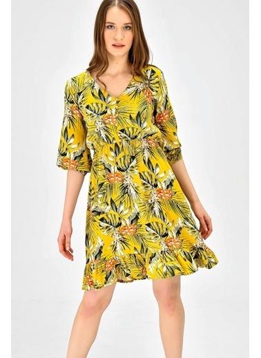 Jument V Yaka Capri Kol Eteği Kiloş Çiçek Desenli Elbise - Siyah Çiçek Hardal